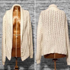 Vintage Oversized Chunky Knit Cardigan EUC
